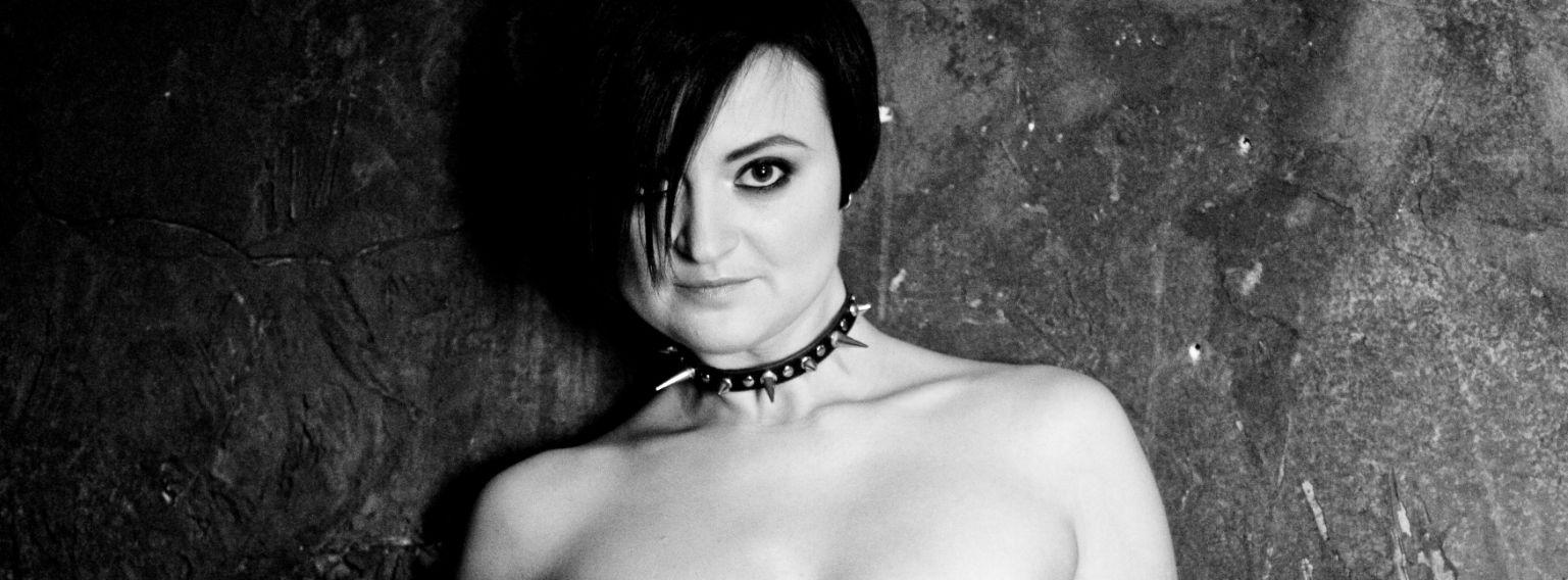 sexypunk-closeup-bw_